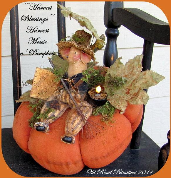 Harvest Blessings Mouse n' Pumpkin Pattern