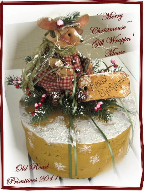 Merry Christmouse Gift Wrappn' Mouse Pattern