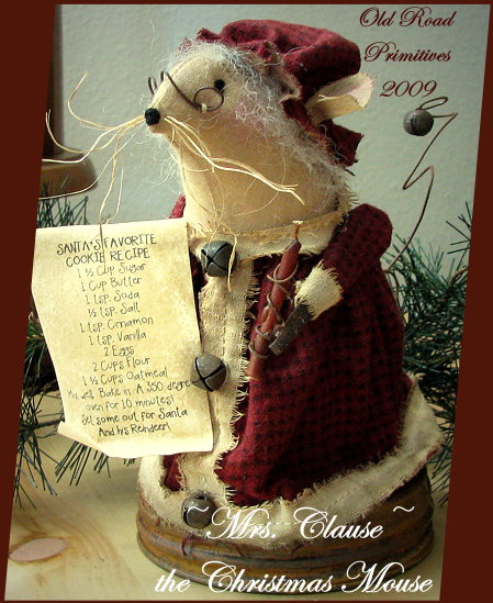 Mrs. Clause the Christmas Mouse Pattern